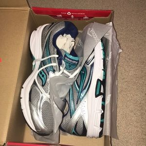 Saucony Women's Cohesion 9 Running Sneakers
